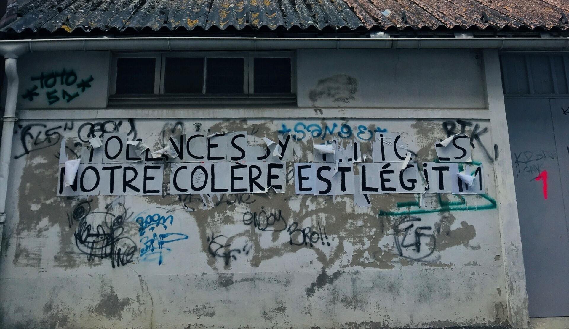 [COLLAGES URBAINS] Les murs ont la parole